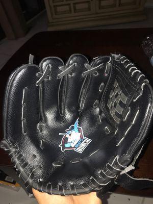 2 Baseball gloves for Sale in Aventura, FL