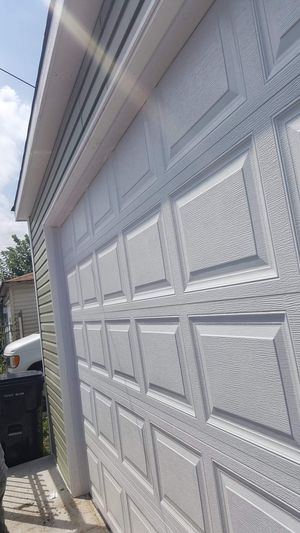 Garage door and construction for Sale in Chicago, IL