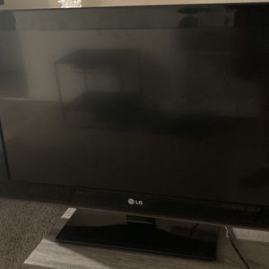 "LG TV 32"" for Sale in Carlsbad, CA"