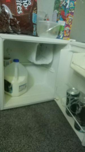 Sanyo, mini fridge, used, working very well for Sale in Appleton, WI