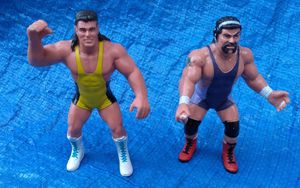 1991 Galoob WCW The Steiner Brothers Action Figure Lot World Championship Wrestling Vintage Collectible for Sale in Pasadena, CA