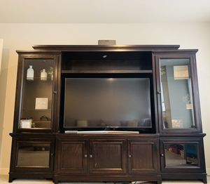 Entertainment center hutch with TV stand for Sale in Edmonds, WA