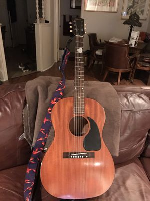NEW PRICE! GIBSON VINTAGE ACOUSTIC GUITAR for Sale in Wichita Falls, TX