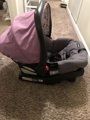 Car seat for Sale in Clarksville, TN