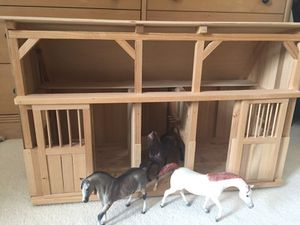Breyer horse stable and horses for Sale in Washington, DC