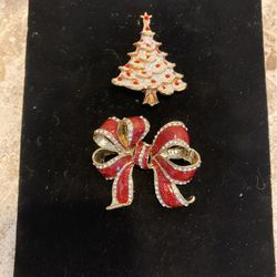 X-mas Brooches-pair Of Christmas Pins-both For $4 #artssoflo for Sale in Miami,  FL
