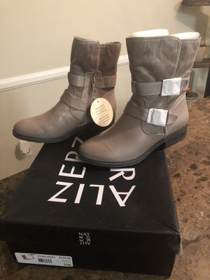 Boots size 8 for Sale in Orange, CA