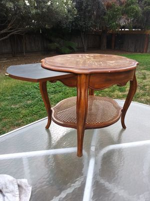 Drexel Heritage end table for Sale in Fresno, CA