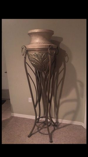 High vase with stand for Sale in Orlando, FL