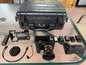 Sony a6500 w Prime Lens Alpha Fast Shutter 4K Video and $2000 in total camera gear for Sale in Castro Valley, CA