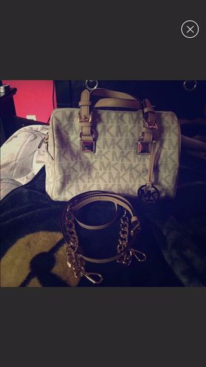 100% authentic Michael kors Grayson medium satchel with chain strap USED ONCE for Sale in Pittsburgh, PA