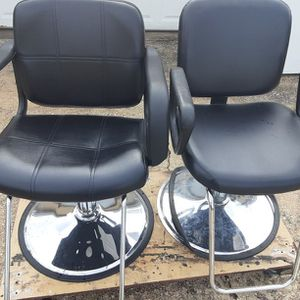 2 Stylist/ Barber Chairs for Sale in Tampa, FL