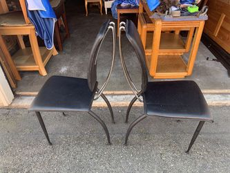 2 Chairs (Real leather) for Sale in Auburn,  WA
