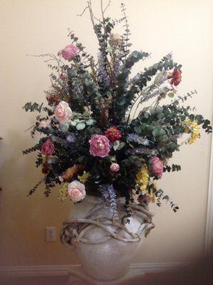 LARGE FLOWER FLOOR VASES for Sale in Grand Prairie, TX