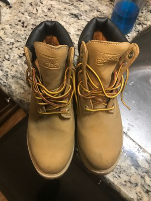 Women's work boots (rugged outback) for Sale in Jericho, NY