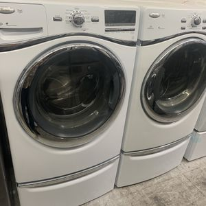 Whirlpool Washer And Gas Dryer With Pedestals for Sale in Orange, CA