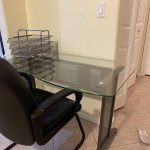 Desk And Chair for Sale in Hollywood, FL