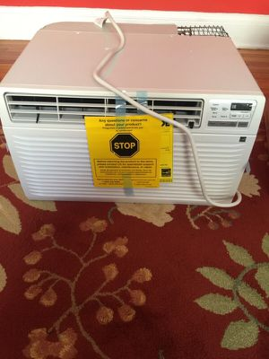 Lg Air Conditioner 10000 Btu for Sale in Cleveland, OH