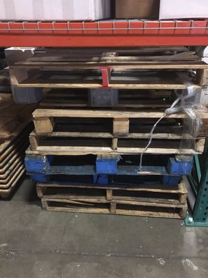 Free wood pallets for Sale in Bothell, WA