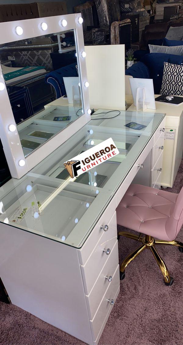 vanity desk set
