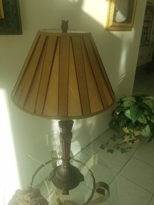 2 end table lamps , 1 stand lamp for Sale in Pembroke Pines, FL