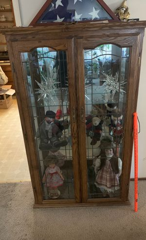 Antique curio cabinet for Sale in Cypress, CA