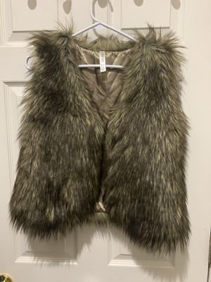 Girls new vest size 16 for Sale in Concord, CA