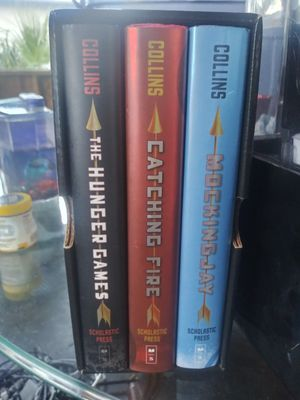 Hunger games Trilogy for Sale in Clearwater, FL