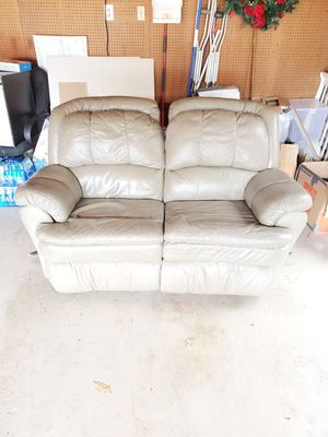 Reclining Loveseat for Sale in Lawrenceville, GA