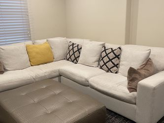 2 Piece Sectional for Sale in Beverly Hills,  CA