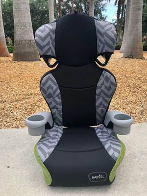 Evenflo Booster Car Seat 40-100lbs for Sale in West Palm Beach, FL