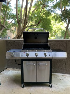 Charbroil Gas Grill Barbecue BBQ for Sale in Newport Beach, CA