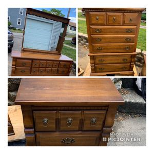 Vintage Bassett Furniture Bedroom Set Will Separate if Needed for Sale in East Providence, RI