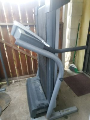 NordicTrack Treadmill c2100. In good working condition 150 no low ballers for Sale in Bakersfield, CA