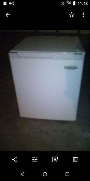 Mini fridge with freezer for Sale in Antioch, CA