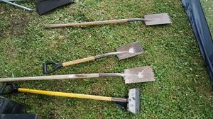 yard , concrete , roofing shovels for Sale in North Fond du Lac, WI