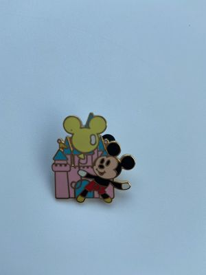 Mickey Mouse castle Disney pin for Sale in Riverview, FL