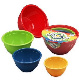 New four-piece multi color mixing and serving bowl set kitchen for Sale in Henderson, NV