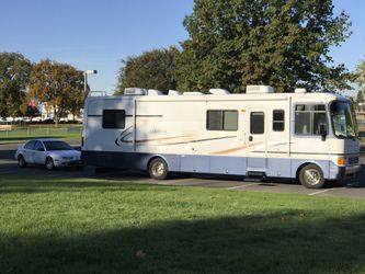 2000 Holiday Rambler and 2002 Saturn SL1 for Sale in Richland,  WA