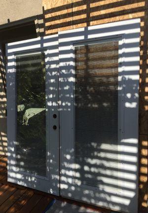French doors 🚪 doble glass and cortinas en el centro de los vidrios for Sale in Los Angeles, CA