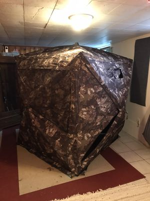 Strata camo BIG hunting blind for Sale in Columbia, MO