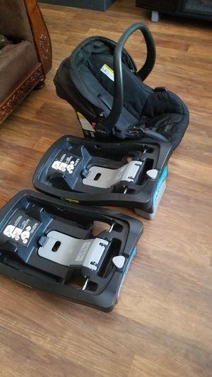 Urbini Stroller, Car Seat w/ Base for Sale in El Centro, CA