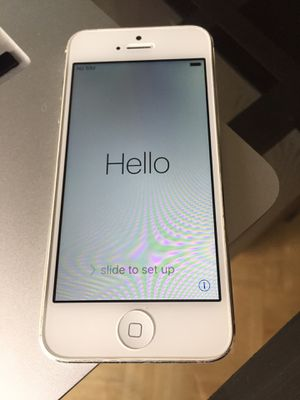 iPhone 5 unlocked! In great working condition! for Sale in West Hollywood, CA