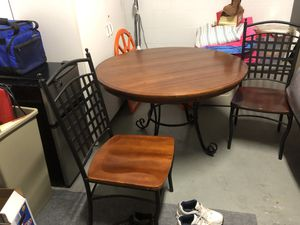 Kitchen or Dining Table N 2 Chairs for Sale in Lakeland, FL
