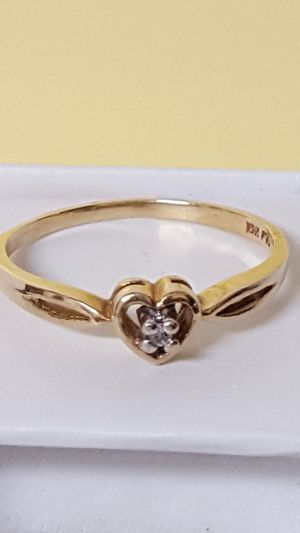 10k Real gold, Real Diamond, Heart style, 1.35grs, Size 7 for Sale in Covington, KY