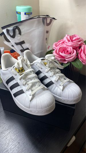 Adidas superstar shoes for Sale in Wood Dale, IL