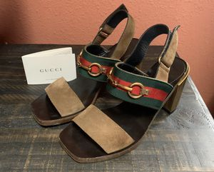 Beautiful Gucci Sandals Size 37 for Sale in Clinton, WA