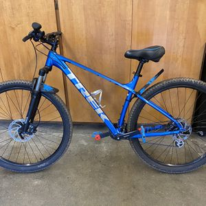 2021 Trek Marlin 6 ** LARGE** for Sale in Tacoma, WA
