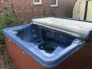 Hot tub like brand Bought it with the house never used 350 for Sale in Virginia Beach, VA