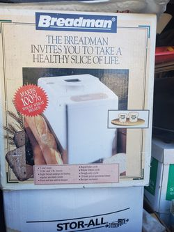 Breadman bread maker. 2 loaf sizes, bakes 1.5 lb and 1 lb loaf. for Sale in Tigard,  OR